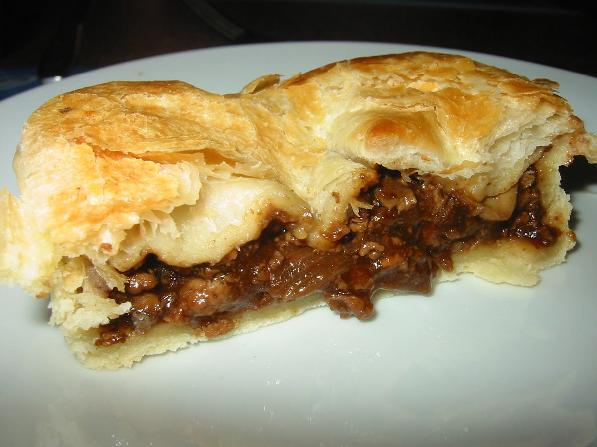 Steak and mushroom pie innards