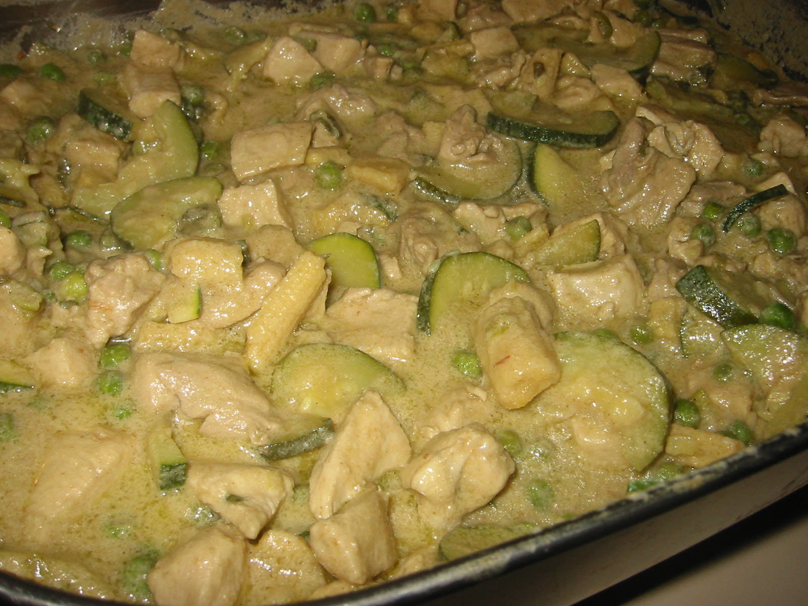 Thai green curry in the pan