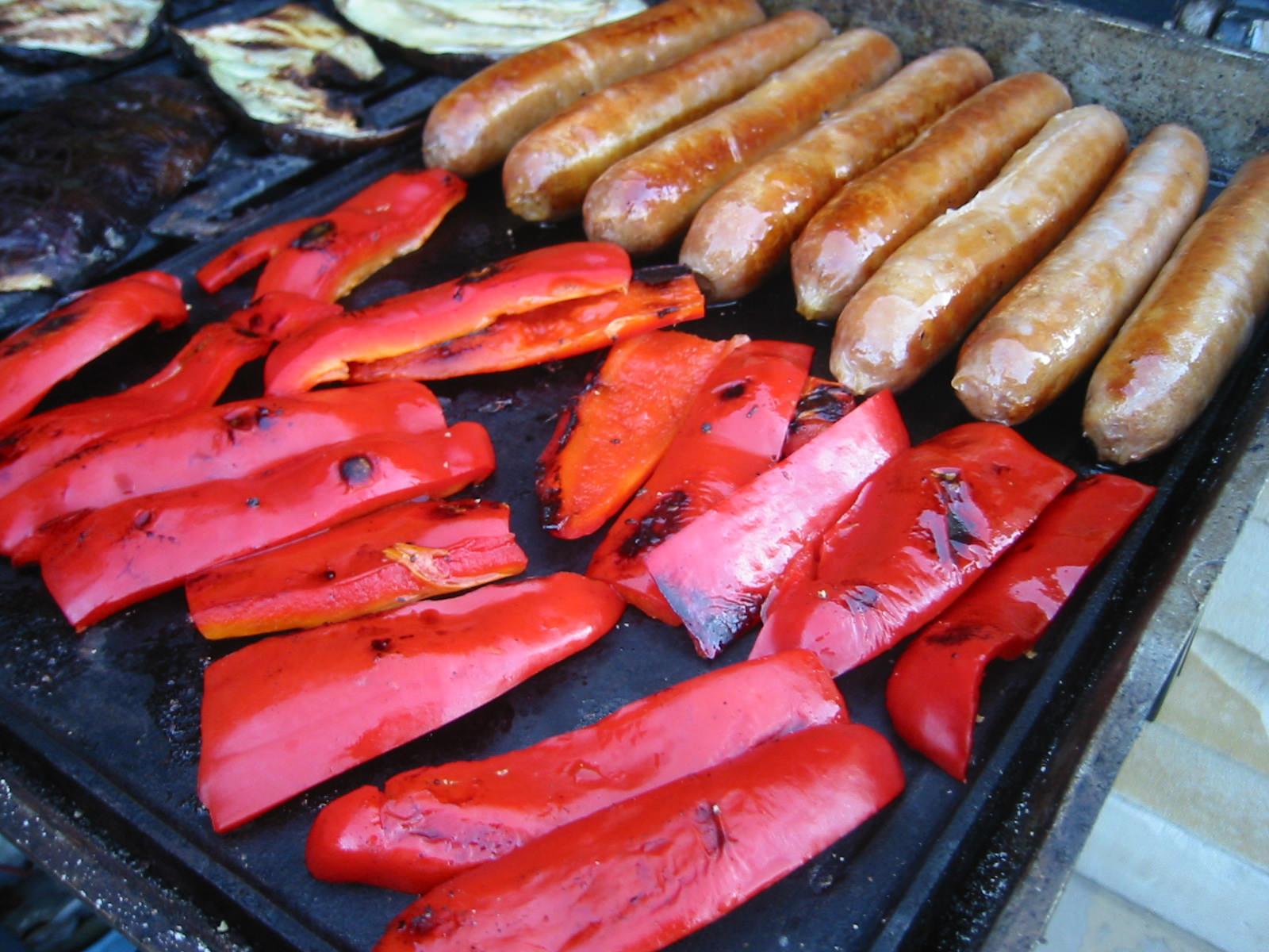 Red capsicum and beef sausages