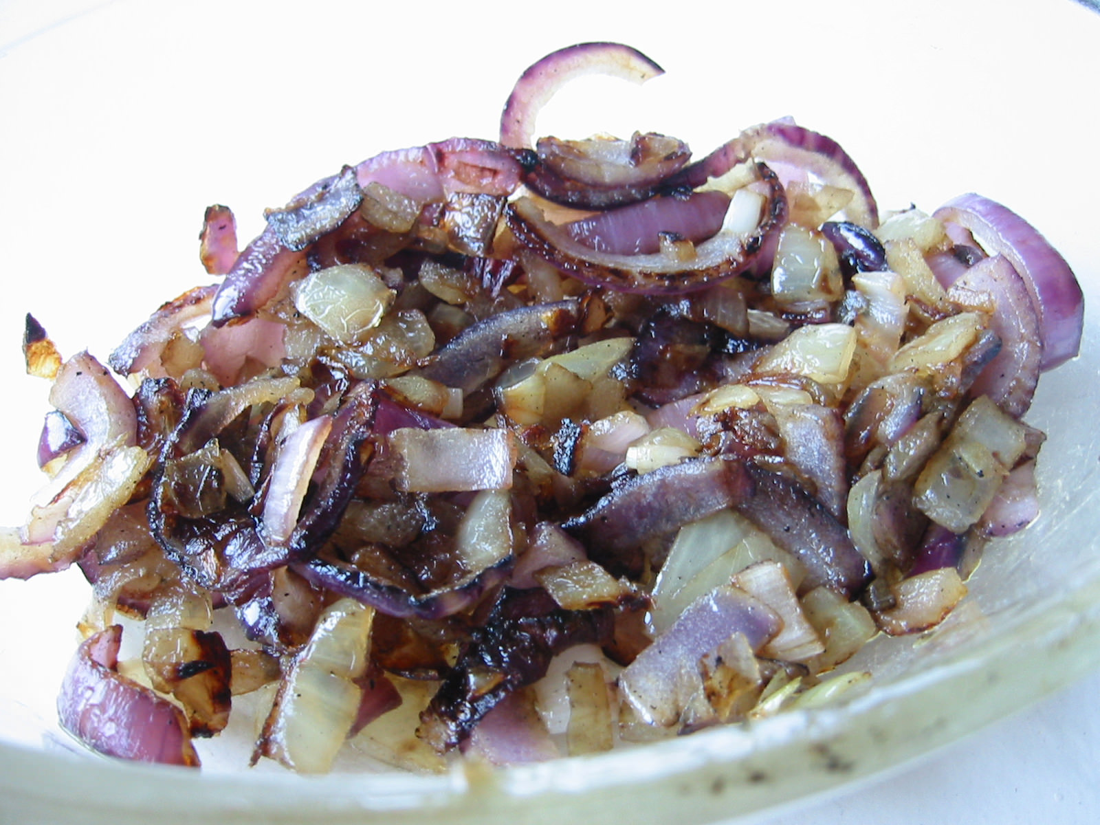 Barbecued spanish onions