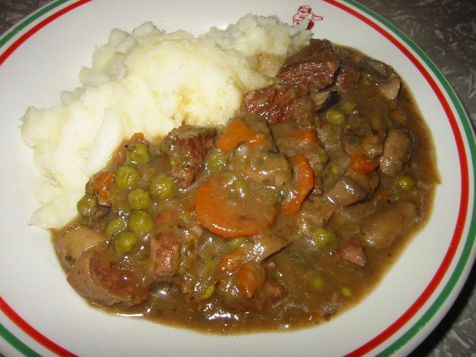 Beef and mushroom casserole with mashed potato