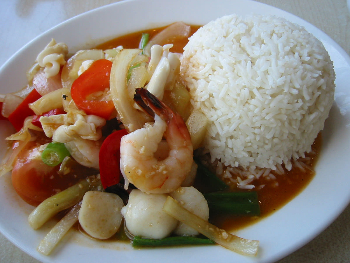 The new guy's garlic seafood rice