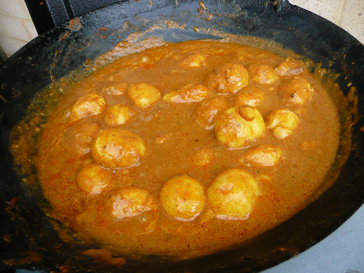 Curry potatoes heating up