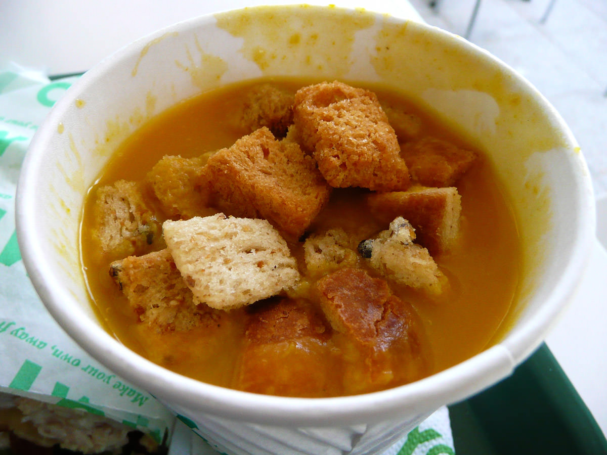 Pumpkin soup and croutons