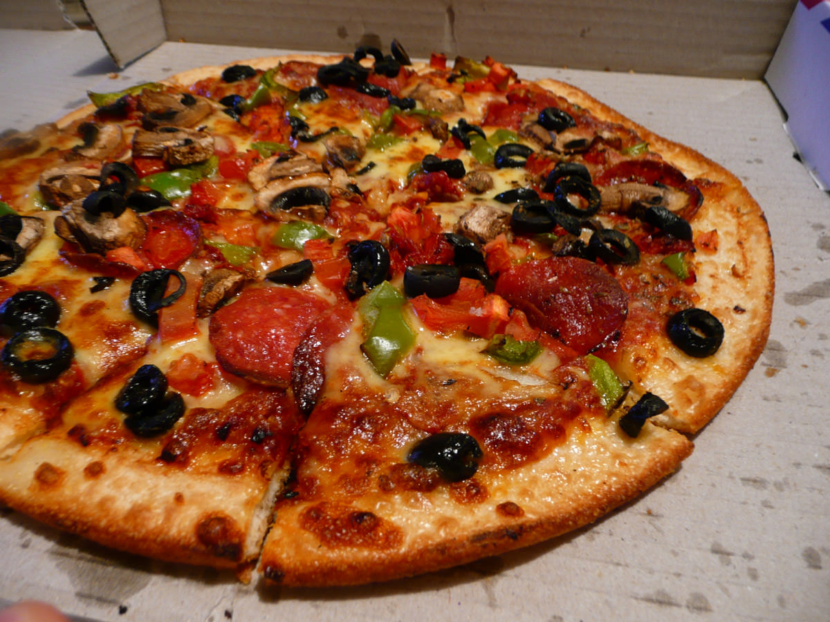 Dominos Godfather with Mushrooms (classic crust)