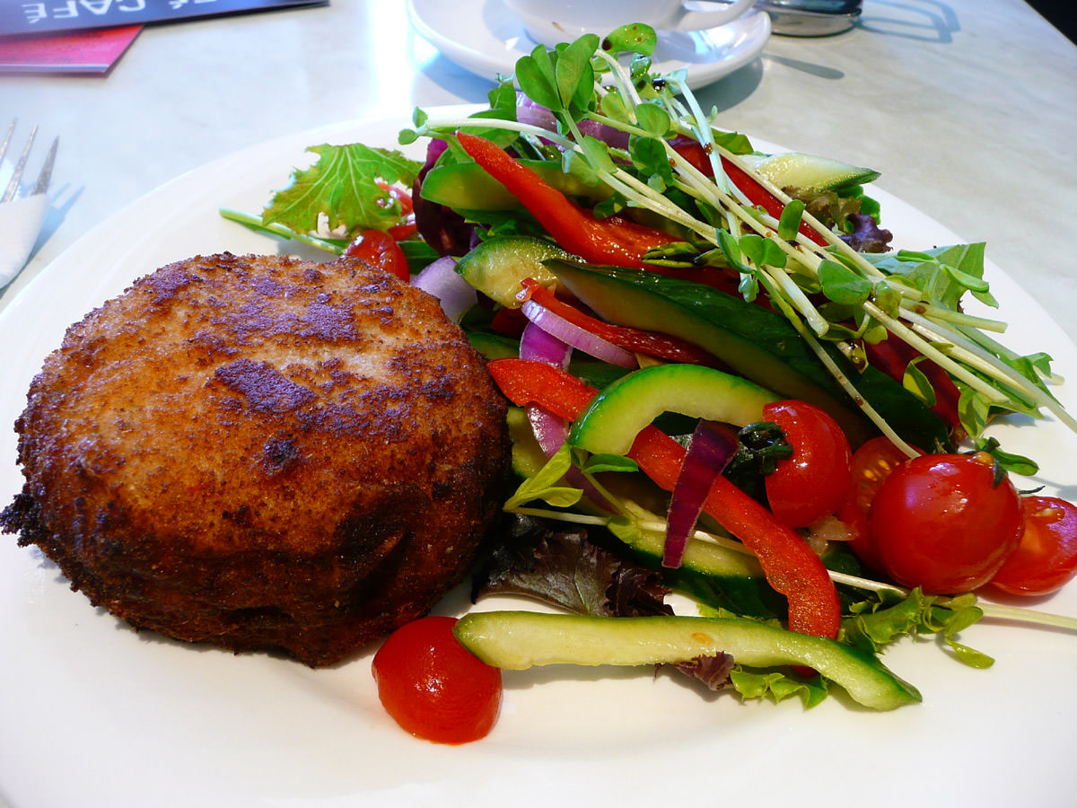 Tuna pattie and salad