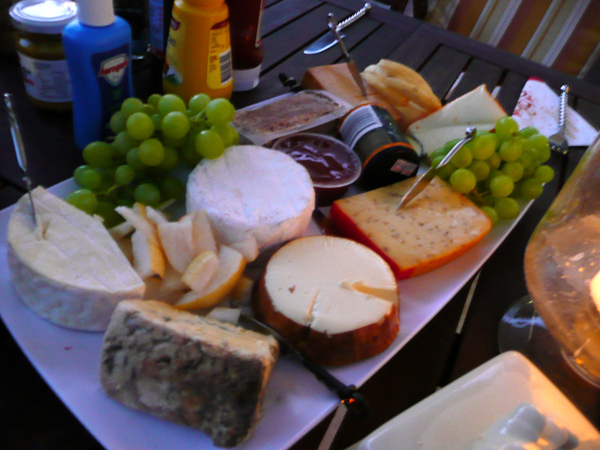 Cheese platter with further adornments