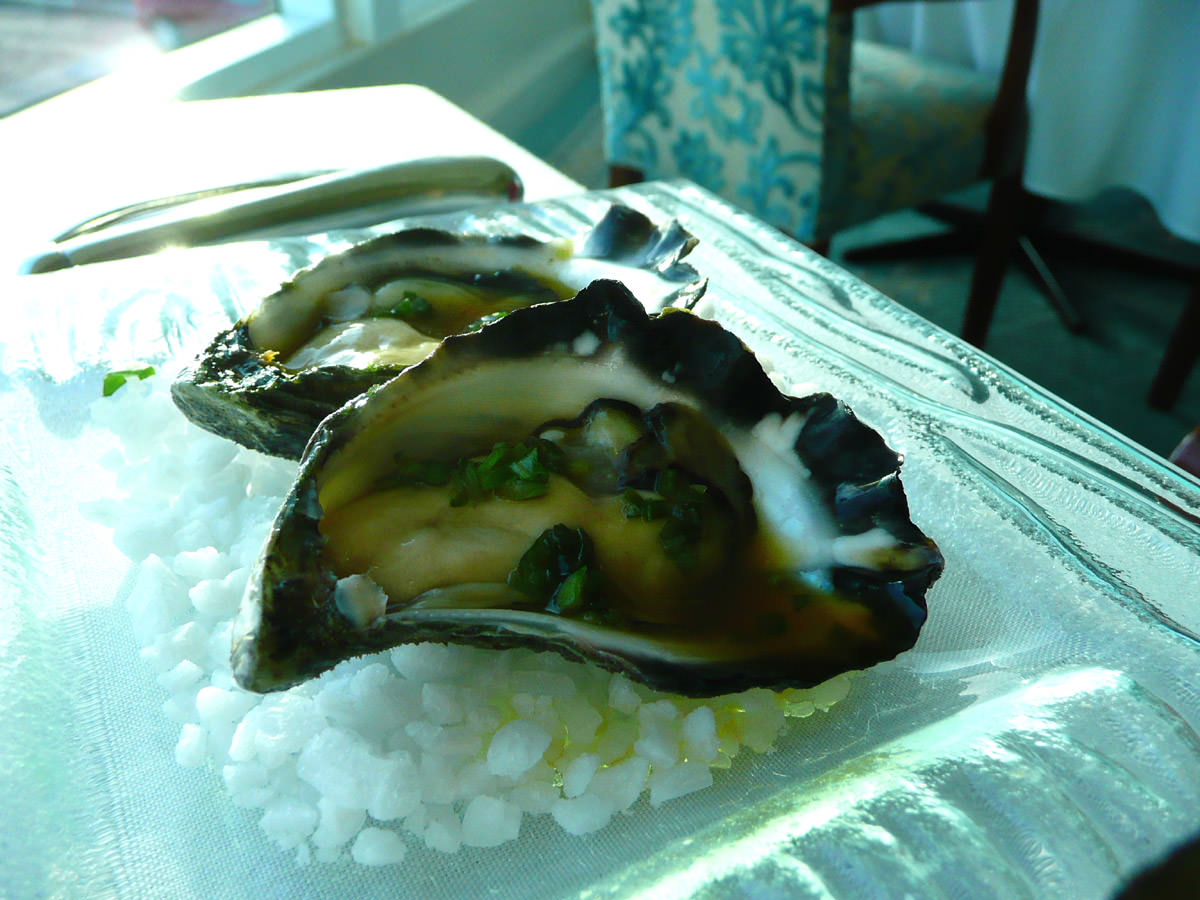 Oysters with native fingerlime mignonette sauce