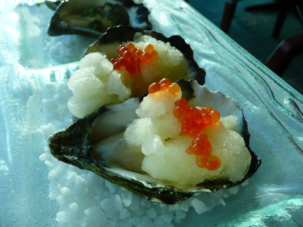 Oysters with champagne sorbet and salmon caviar