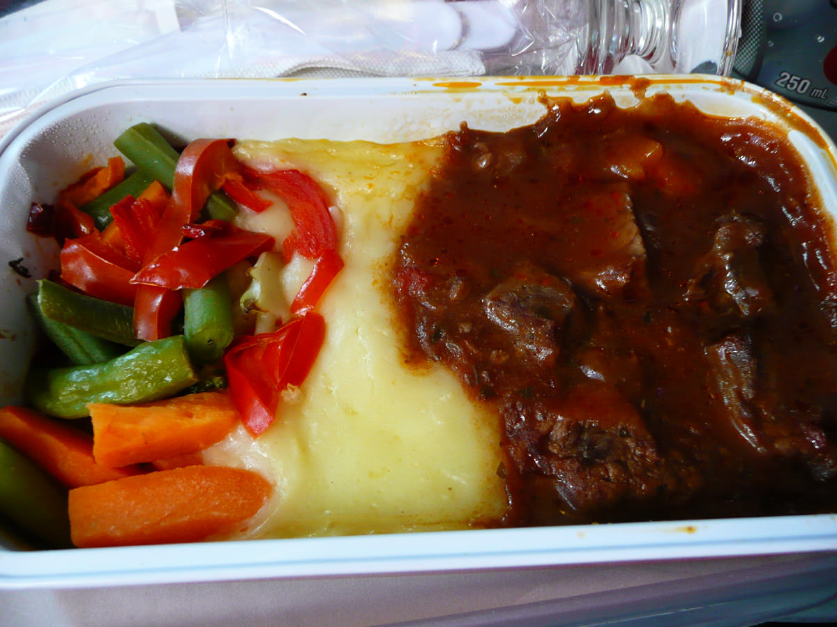 Braised beef with horseradish potato mash