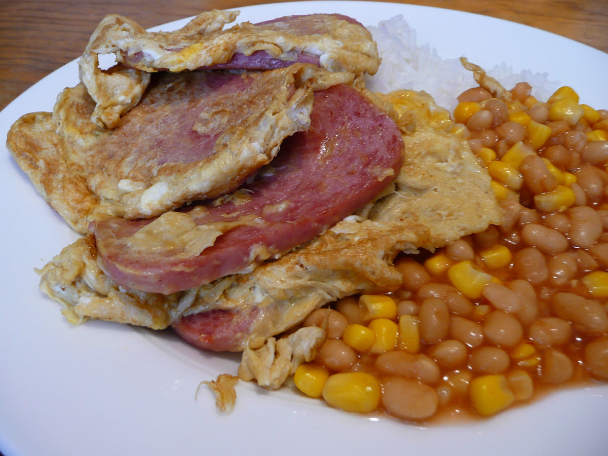 SPAM, egg and rice with baked beans and corn