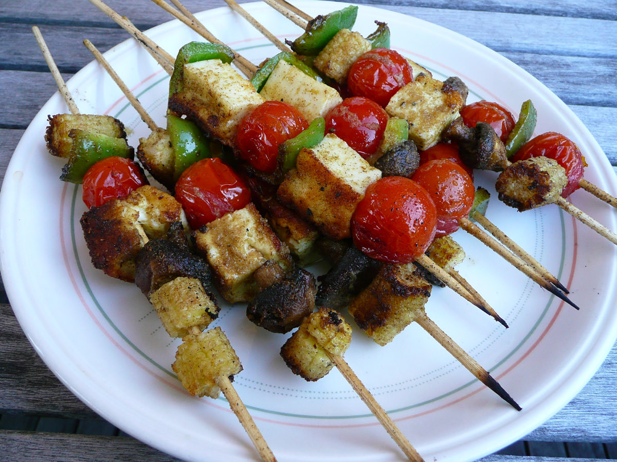 Vegetable and haloumi kebabs
