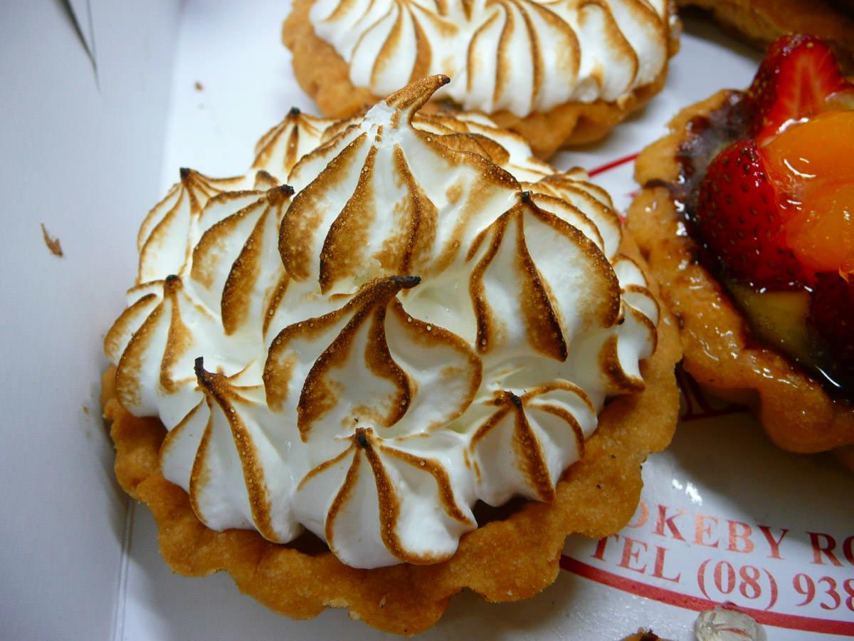 Lemon meringue tartlettes