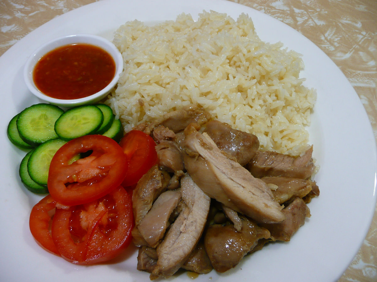 Hainan chicken rice with steamed soy sauce chicken
