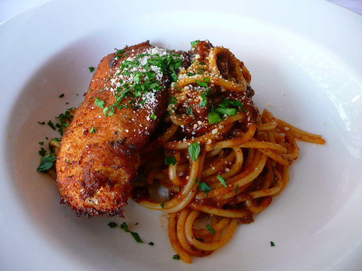 Chicken cutlet with spaghetti