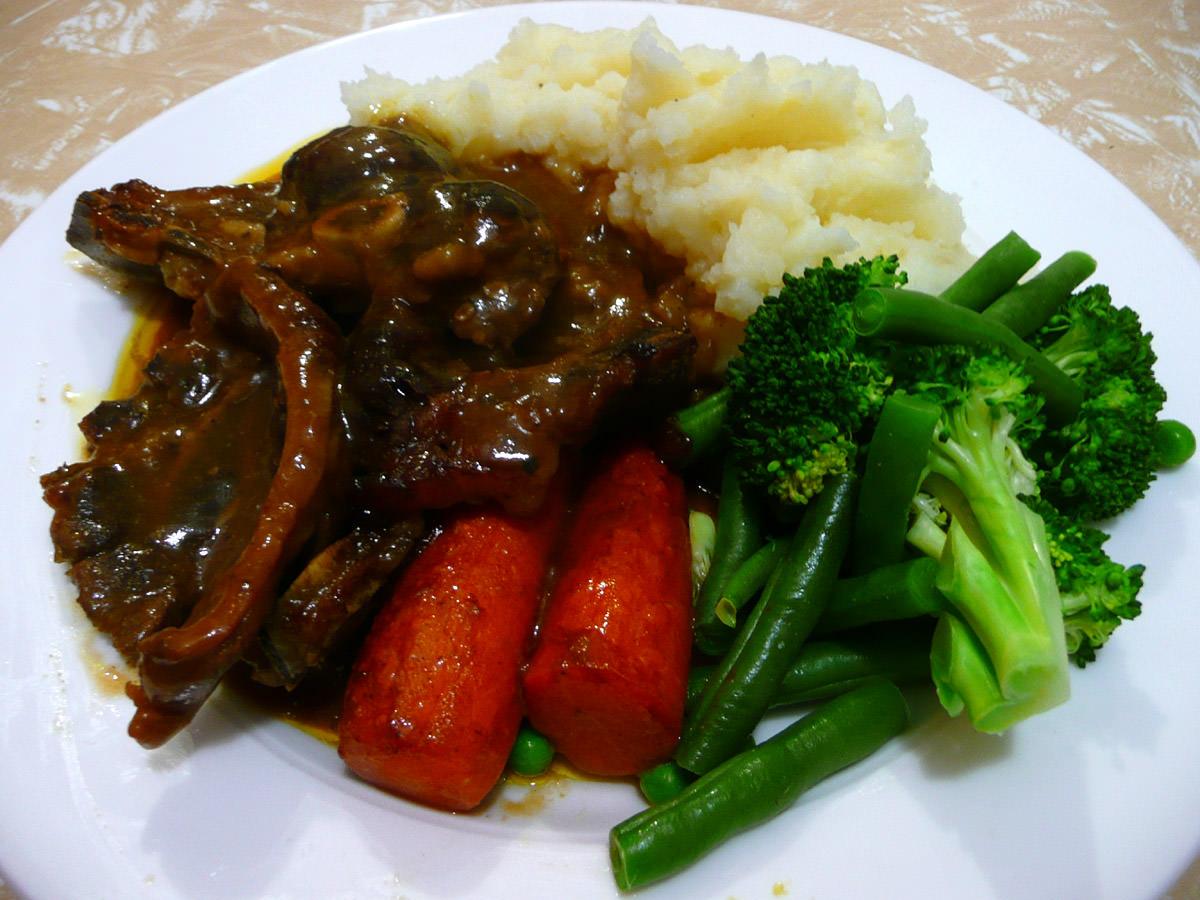 Savoury chops, garlic mashed potatoes and vegies