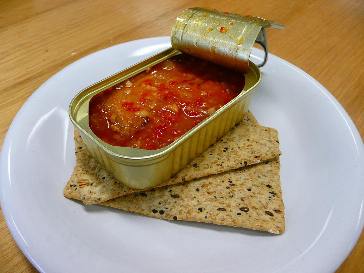 Sweet chilli tuna slices and Vita Wheat