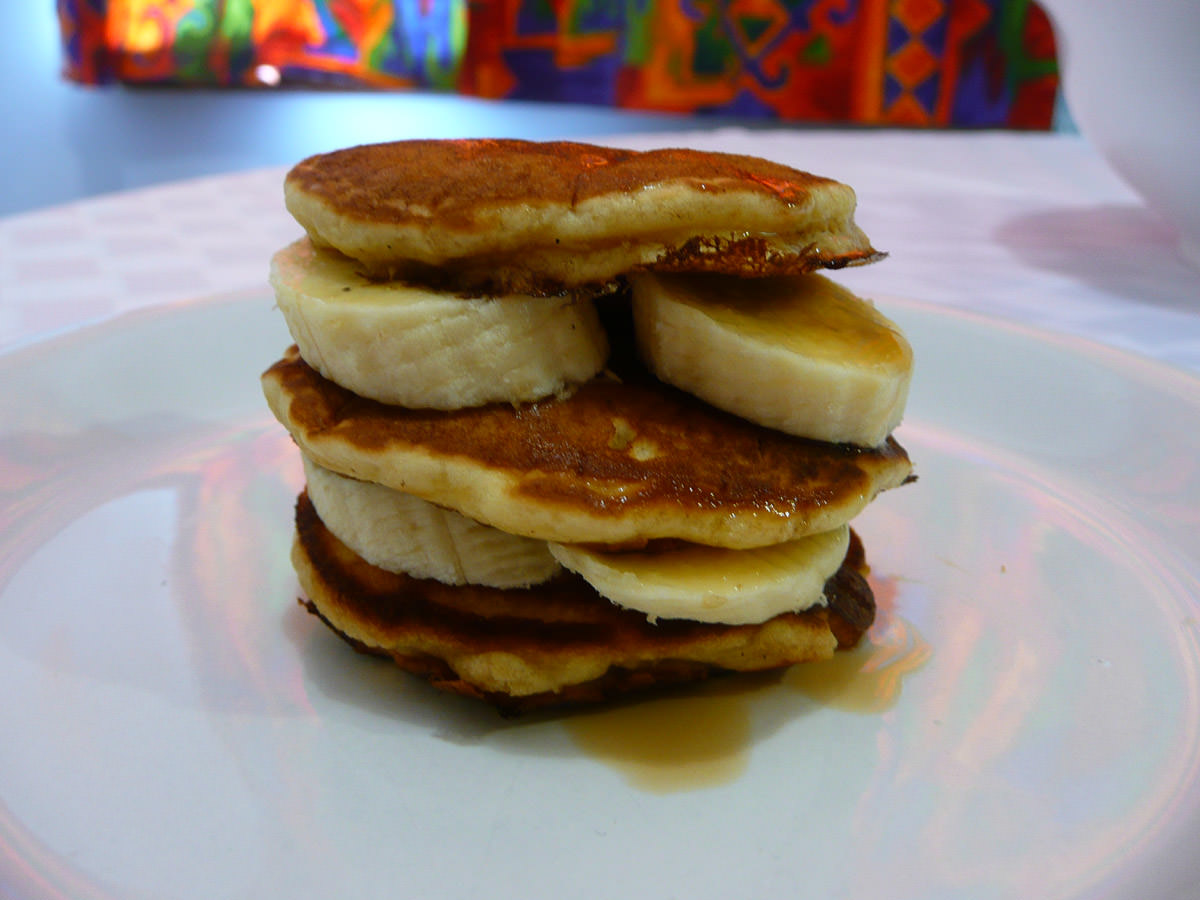 Pikelet, banana and maple syrup stack