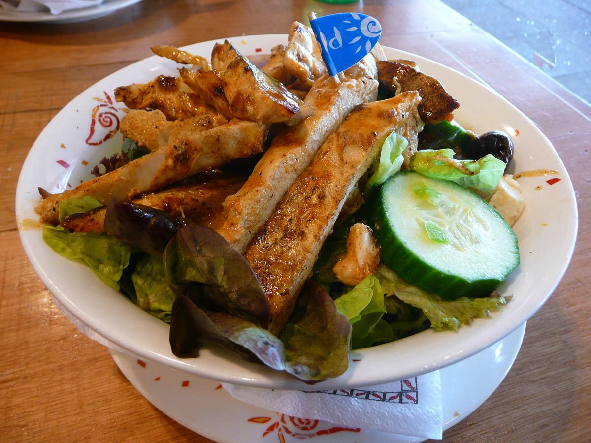 Nandos chicken mediterranean salad (mild per peri)