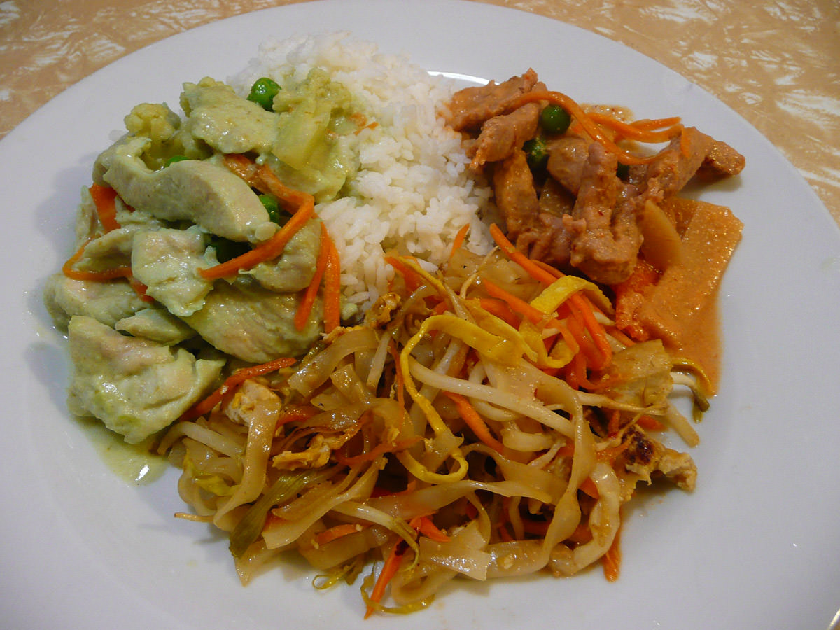 Chicken green curry, pork red curry, pad Thai and rice