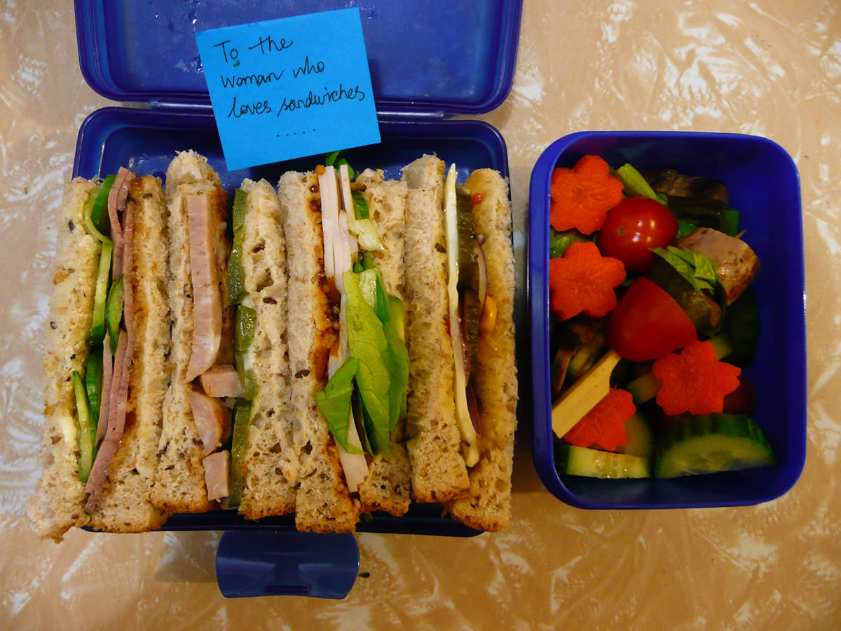 Jac's bento lunch with note - To the woman who loves sandwiches