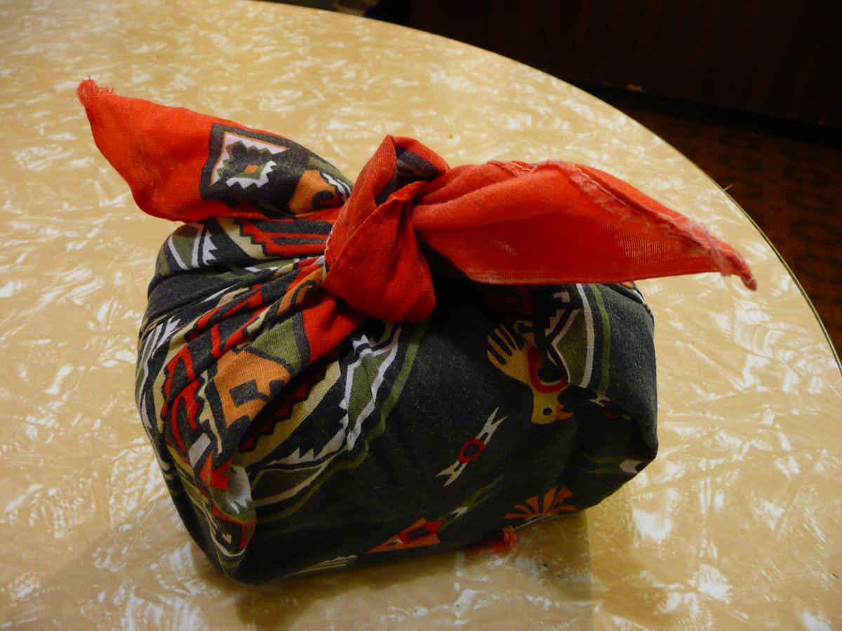 Makeshift bento bag