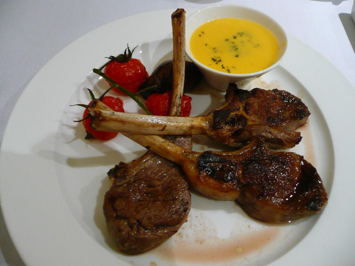 Herb-marinated Narrogin hills lamb cutlets with bernaise sauce