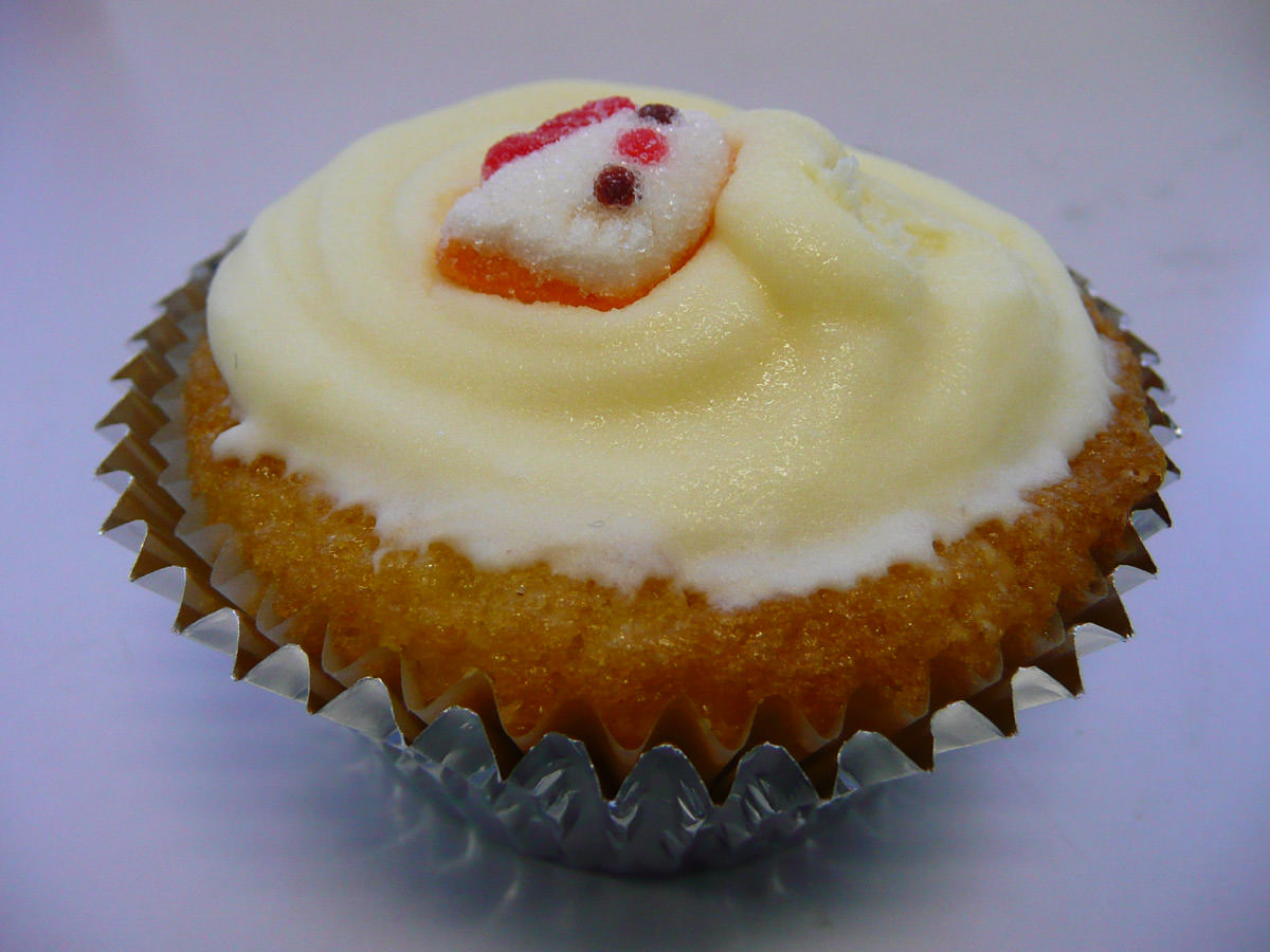 Lemon cupcake with Hello Kitty