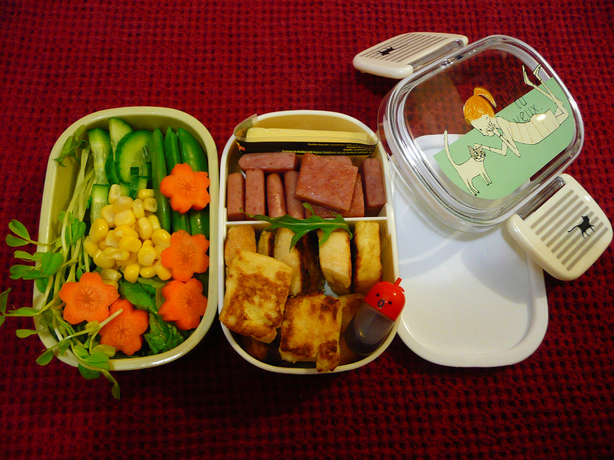 Thursday bento with new lunch box by Shinzi Katoh