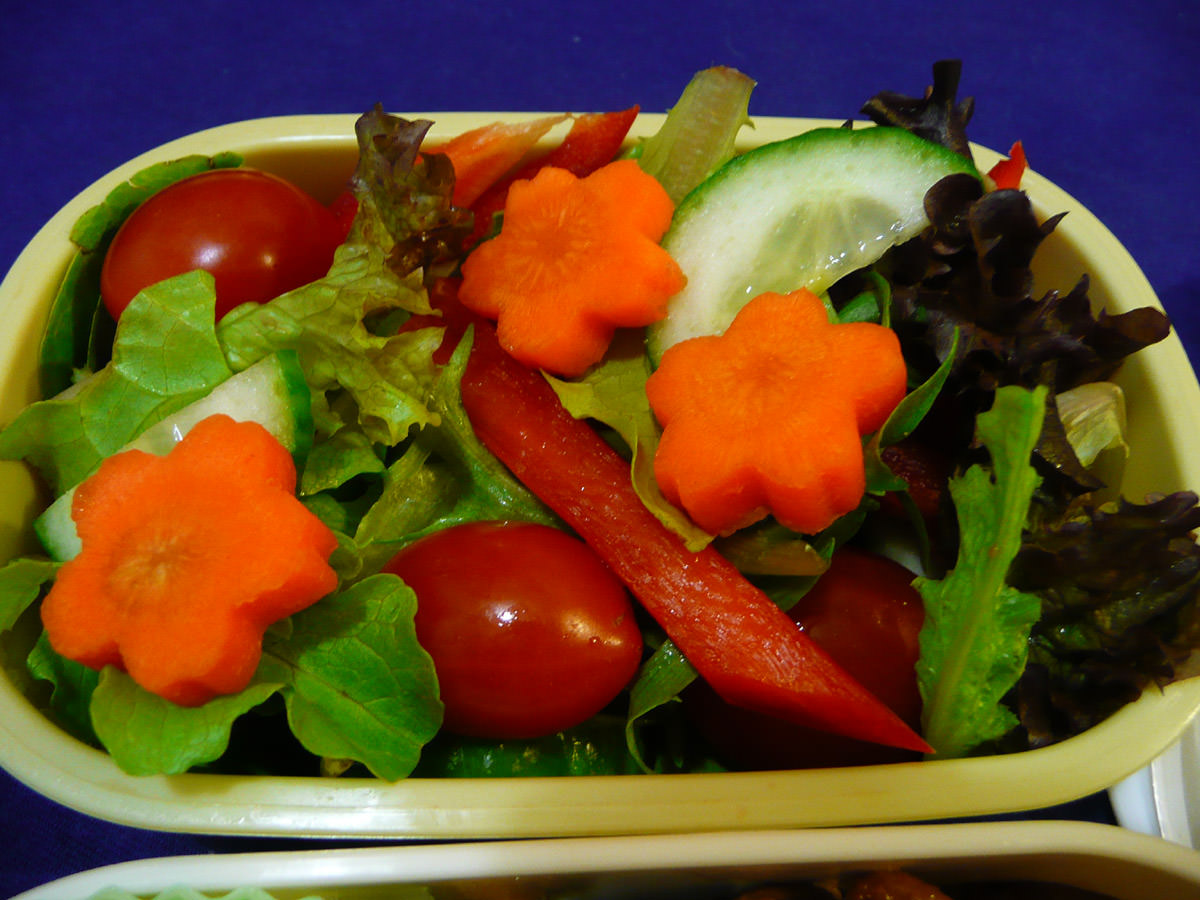 Salad with carrot flowers