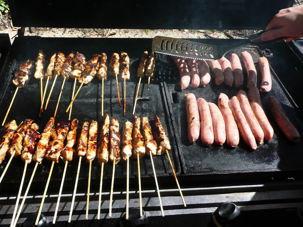 Chicken skewers and sausages