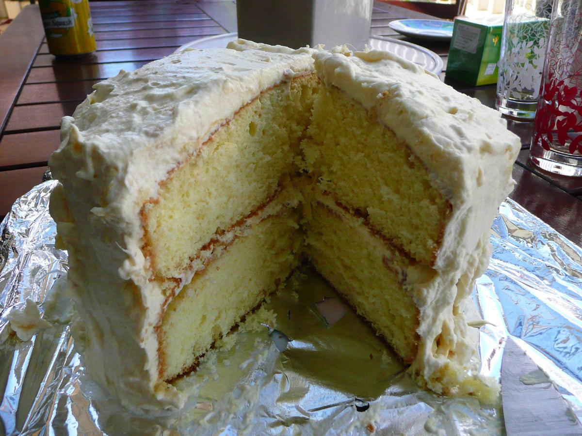 Durian and cream sponge cake innards