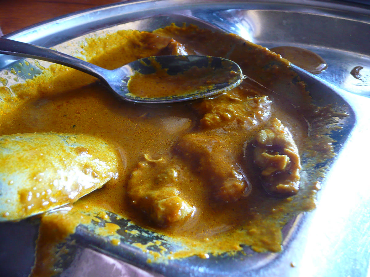Chicken curry with yummy chicken bits
