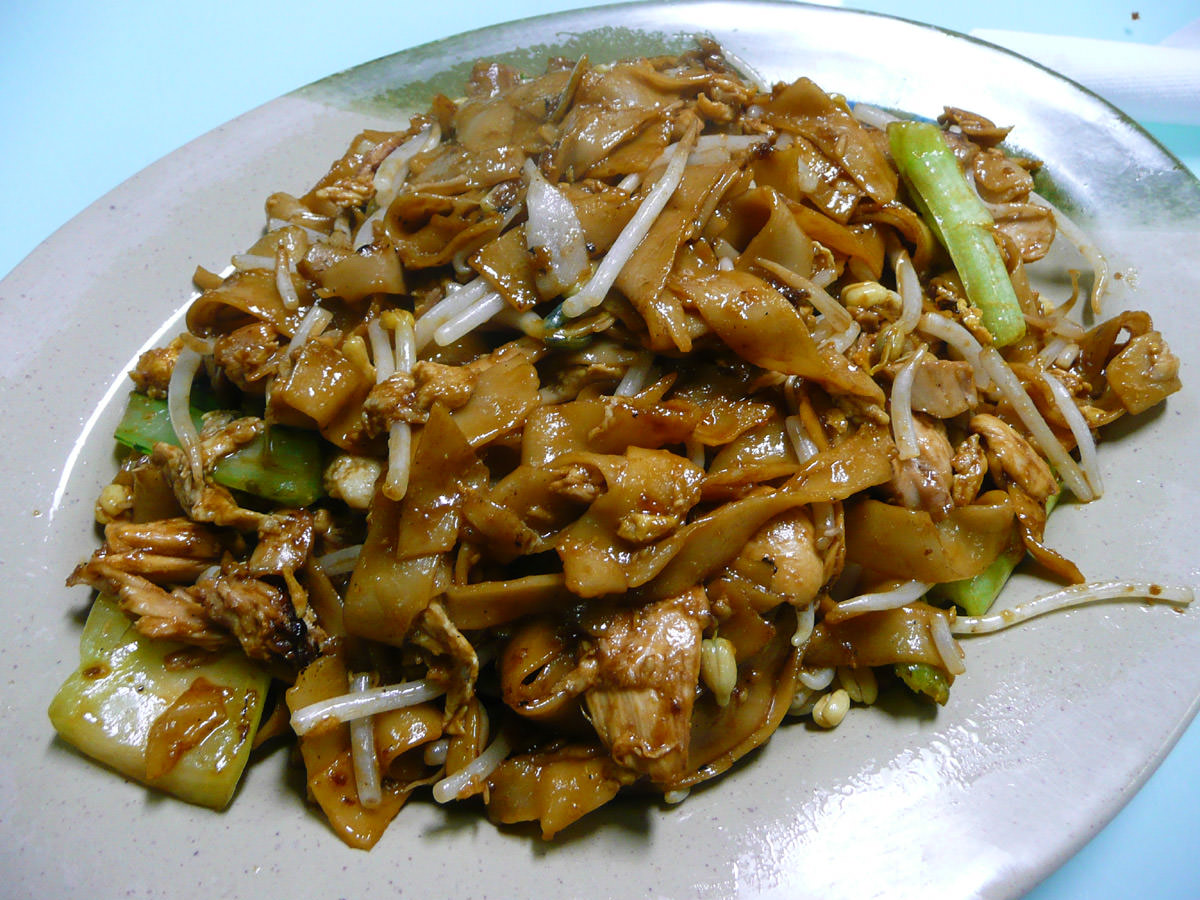 Chicken fried kway teow