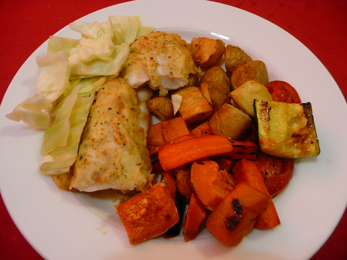 Oven-baked fish and vegetables