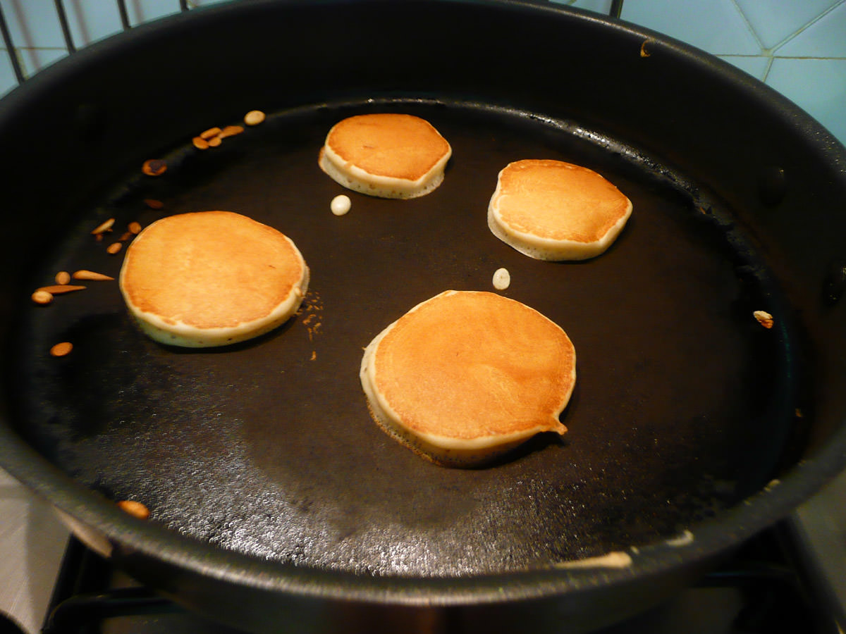 Cooking pikelets