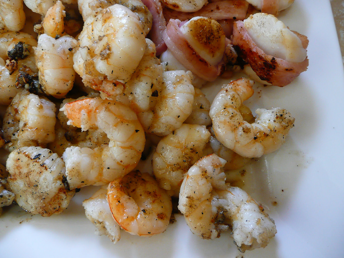 Garlic and oil prawns