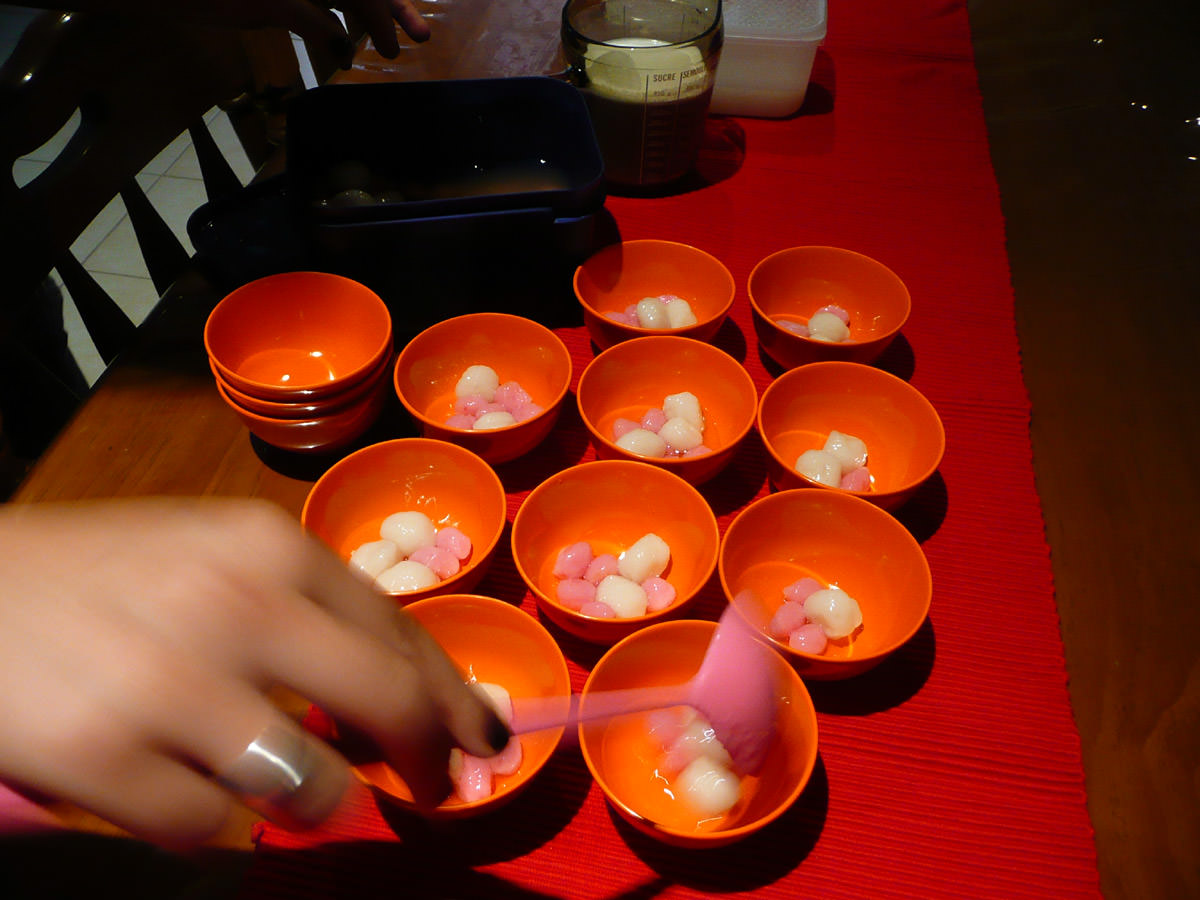 Juji dishes up dessert
