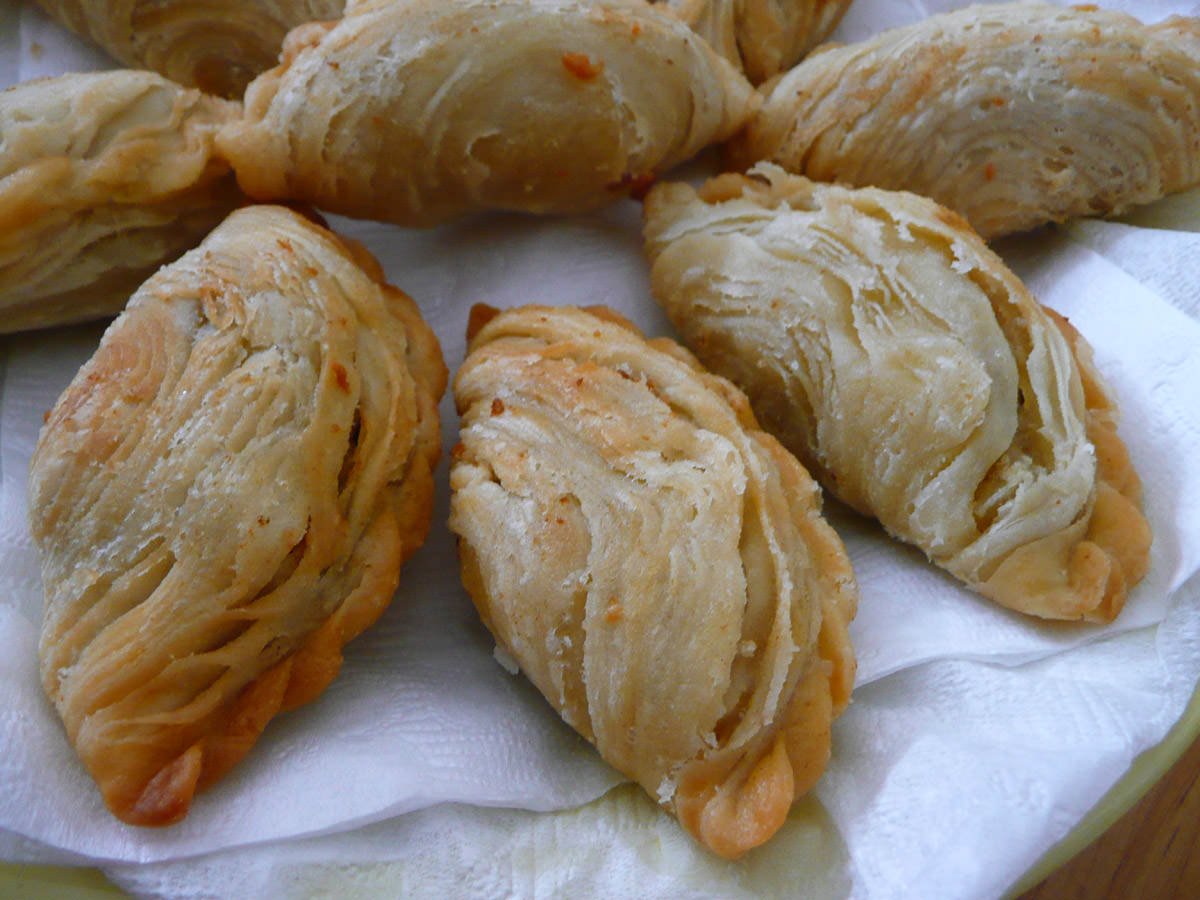Curry puffs close-up