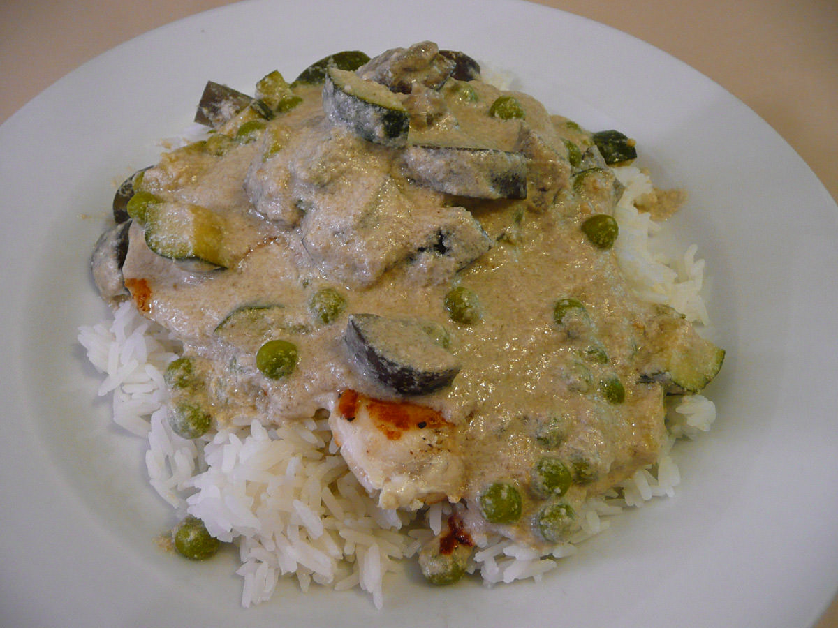 Green curry fish with zucchini and eggplant