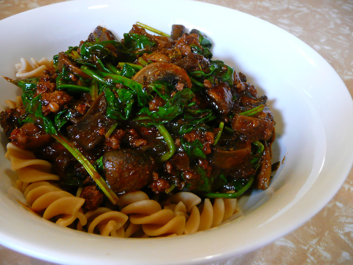 Lamb mince and spinach bolognese