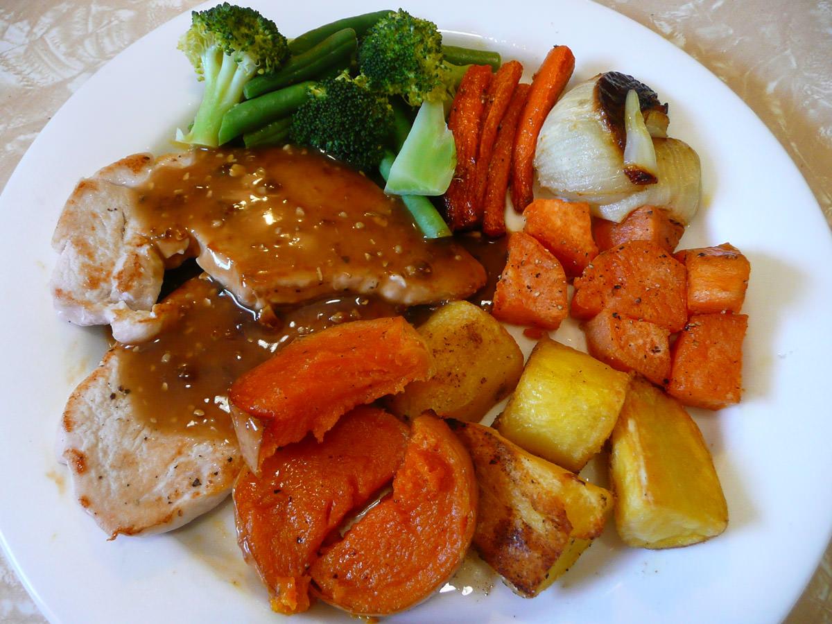 Turkey steaks with mushroom gravy, roasted vegetables