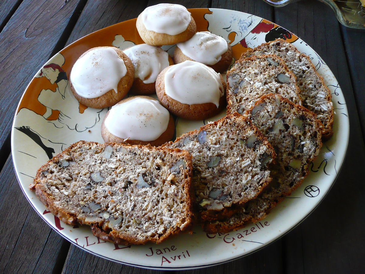 Iced cookies and walnut loaf