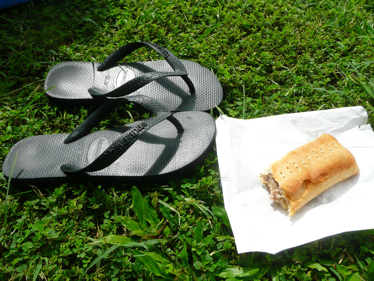 A relaxing breakfast - thongs on the lawn