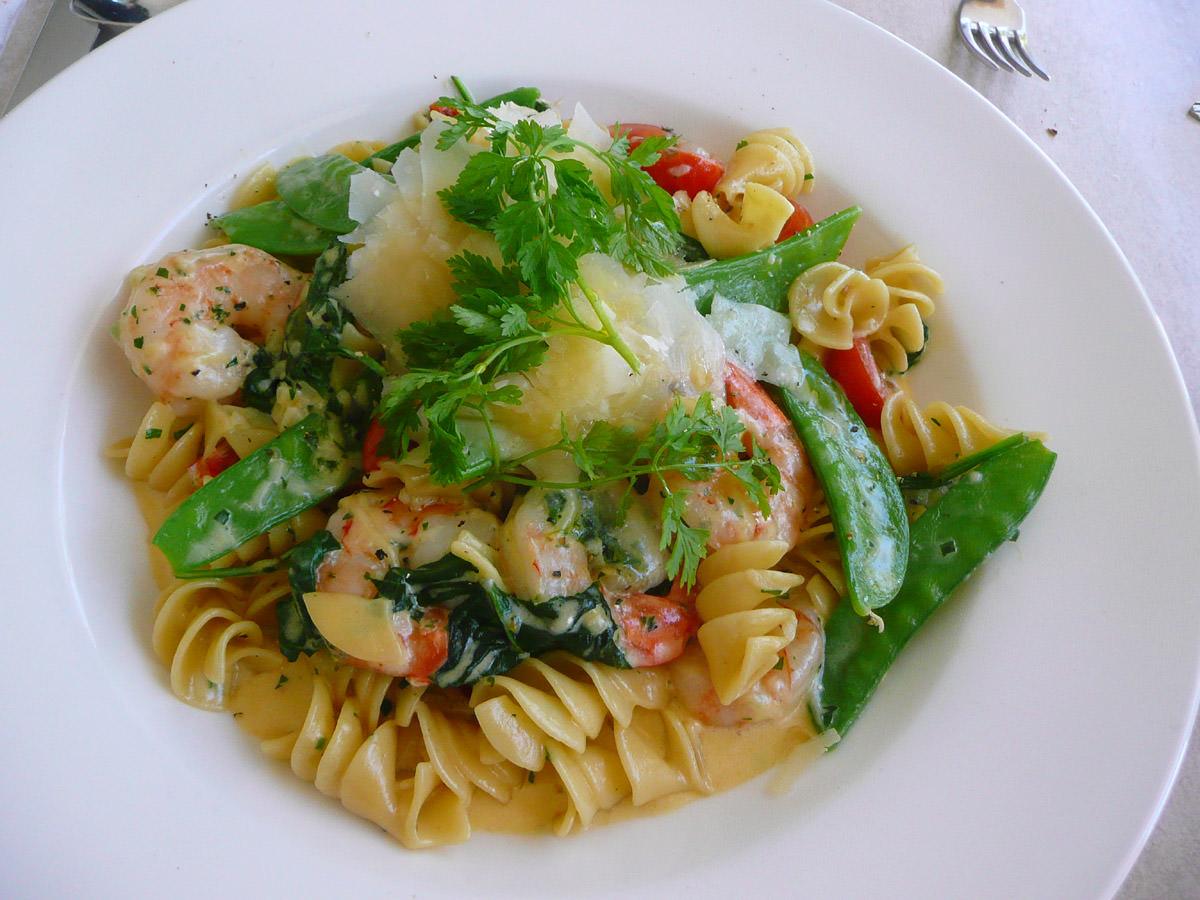Spirelli pasta, garlic prawns in a creamy sauce