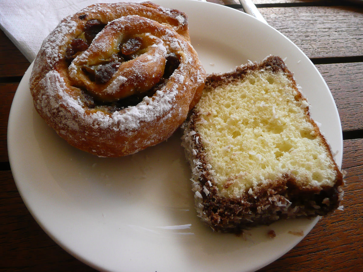 Lamington and sultana danish