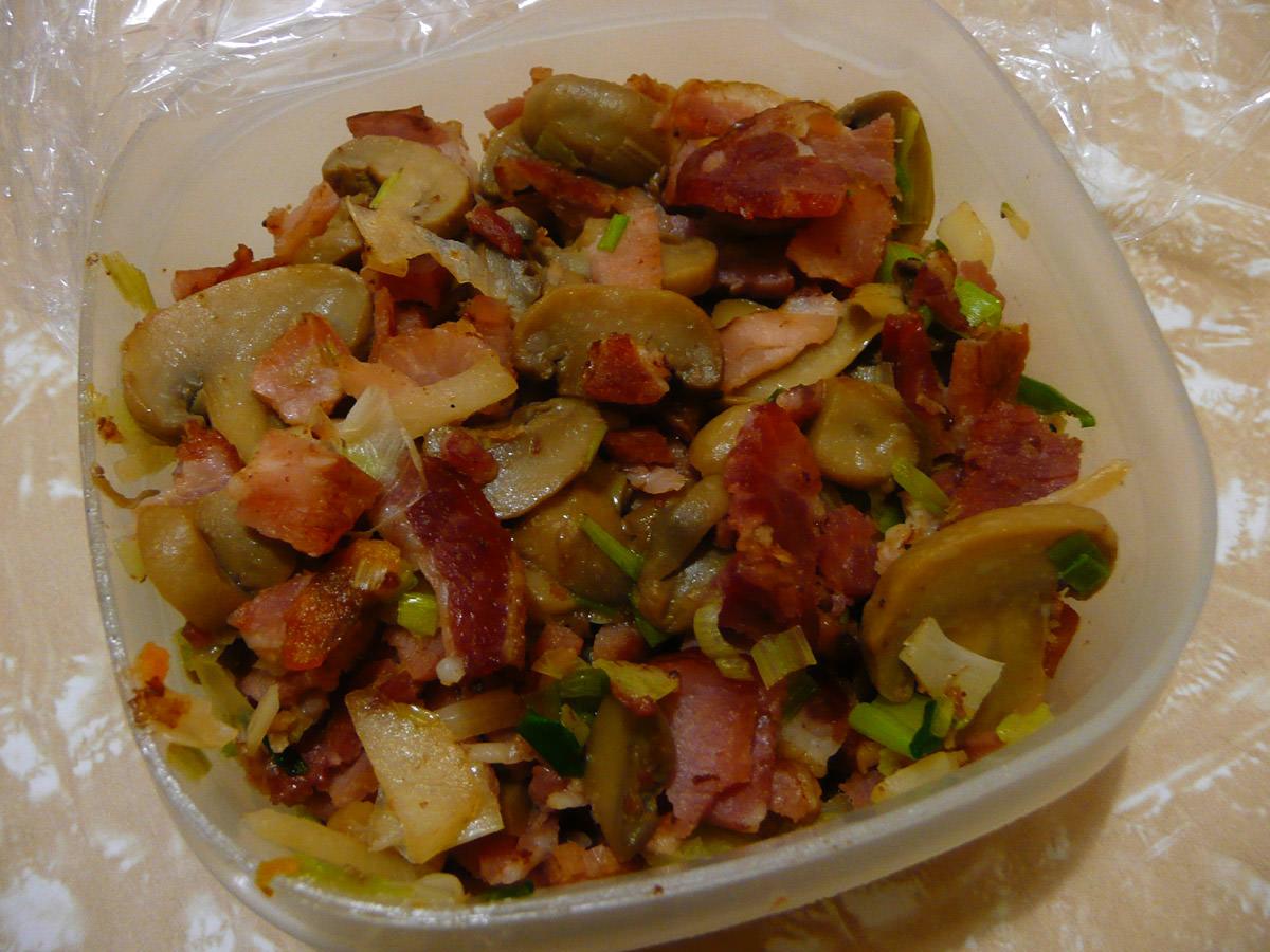 Bacon, mushrooms, garlic and onions