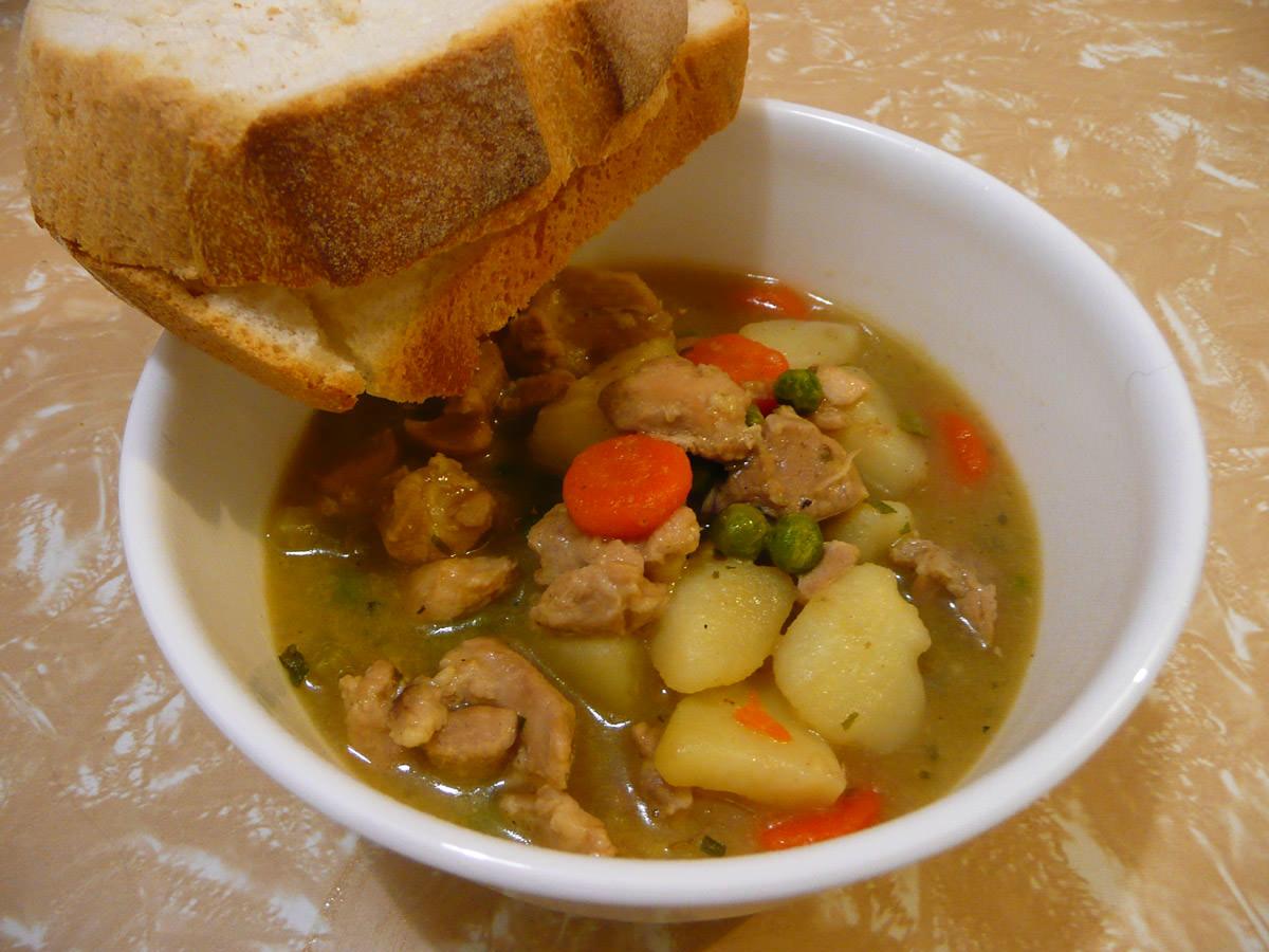 Chicken stew with crusty white bread