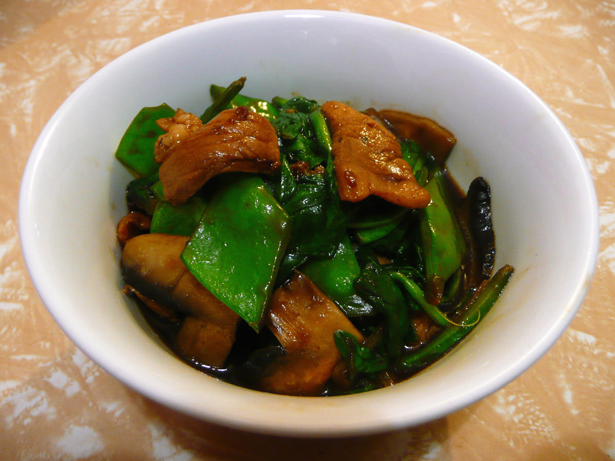 Stir-fried oyster sauce pork and greens