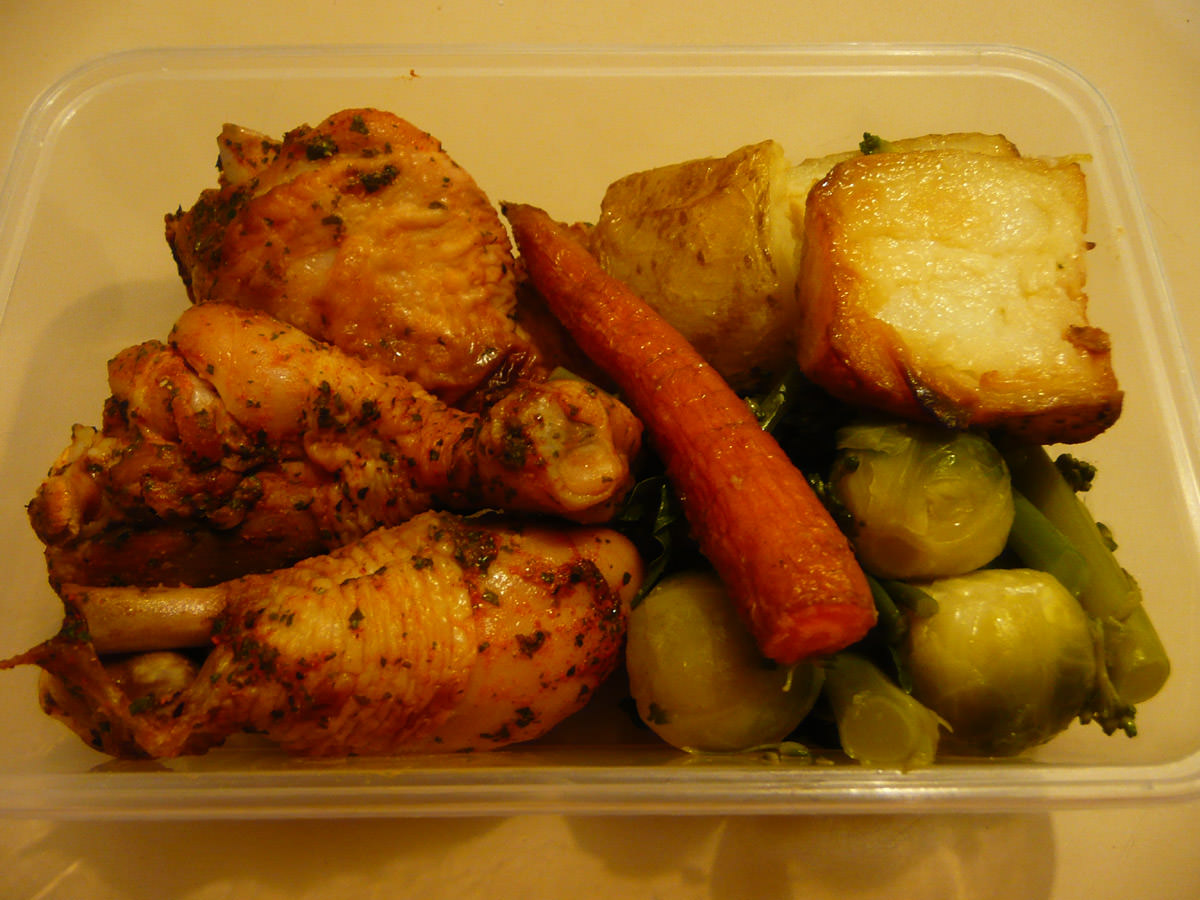Jac's  bento lunch - chicken and vegetables leftovers